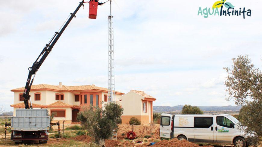 Abastecimiento de agua con energía solar y eólica en casa de campo de Albacete